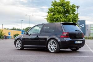 VW Volkswagen Golf 4 kreisais sāns aizmugure Kristaps Mozgirs auto foto Autolevi auto noma