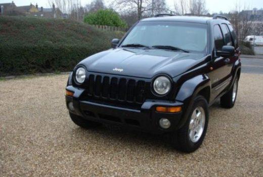 Autolevi savstarpējā auto noma Jeep Cherokee 2003